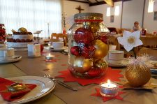 Adventsfeier_Tafel_2018_(3)